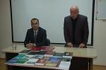Մհեր Հովհաննիսյանը և Սերգեյ Սայադովը հայագիտական գրականության ներկայացման ժամանակ